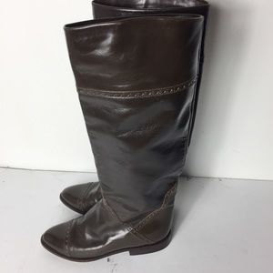 Charles David Taupe 51/2B Leather Cap Toe Boots